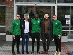 Zástupci 1. FK Příbram zleva: Peter Grajciar, Tomáš Větrovský, Karsten Ayong, Jan Starka a Tomáš Zápotočný na návštěvě v příbramské nemocnici