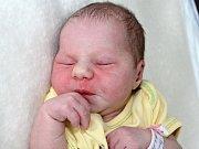 SANDRA SUTNAROVÁ se narodila v sobotu 10. června o váze 3,26 kg a míře 50 cm. Rodiče Lucie a Ivan o své první životní štěstí pečují v Dobříši.