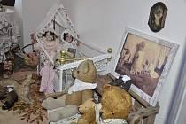 V sobotu 1. dubna se v Muzeu Dobříš uskutečnila výjimečná vernisáž výstavy s názvem Za poklady ze starých šperkovnic, truhel a skříní.