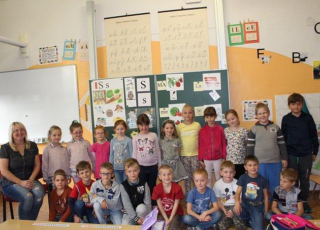 Žáci 1.C 2.ZŠ Dobříš střídní učitelkou Jiřinou Zorkovou.
