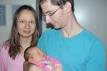 JULIE Kostohryzová se mamince Lence a tatínkovi Janovi z Prahy narodila v pátek 25. listopadu a v ten den vážila 4,53 kg. Doma se na malou sestřičku těší dvouapůlletá Lucie.