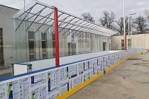 Dobříšský zimní stadion čeká na první bruslaře.