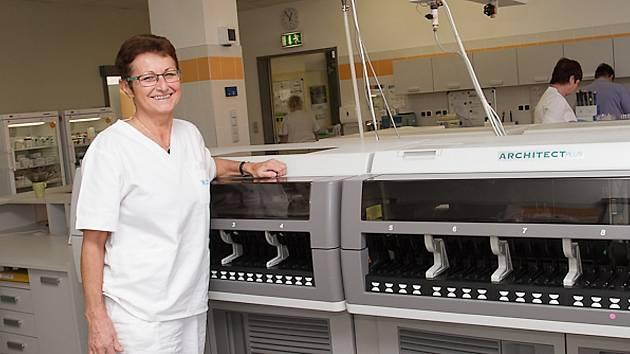 MUDr. Miroslava Kopecká, primářka oddělení klinické biochemie Oblastní nemocnice Příbram.