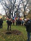 Položení věnce u Památníku padlým obětem 1. světové války.