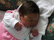 Eliška Fejksová se narodila 23. října s vahou 3,61 kg a mírou 51 cm Hedvice a Martinovi z Příbrami. Doma se těší bráška Martin (2).