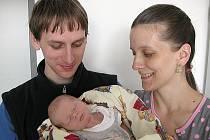 V PÁTEK 10. června maminka Alena a tatínek Jaromír z Příbrami přivítali na světě svého prvorozeného syna Jiřího Nusla, který v ten den vážil 3,42 kg a měřil 51 cm.