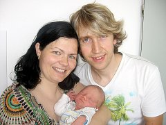 Od pátku 13. června mají maminka Eva a tatínek Martin z Březnice radost ze synka Martina Kašpara, vážil 3,44 kg a měřil 50 cm. Hrát si s bráškou bude tříletý Michael.