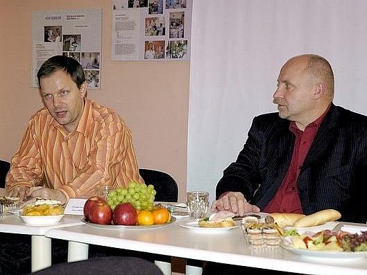Pacientský ombudsman Marcel Chládek (vlevo) a ředitel příbramské nemocnice Stanislav Holobrada