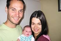 Velkou radost mají od čtvrtka 10. září maminka Jindřiška a tatínek Vítek z Dobříše ze svého prvního děťátka – dcerky Viktorie Rosenbaumové, která má ze dne narození u jména zapsánu váhu 3,46 kg a míru 50 cm.