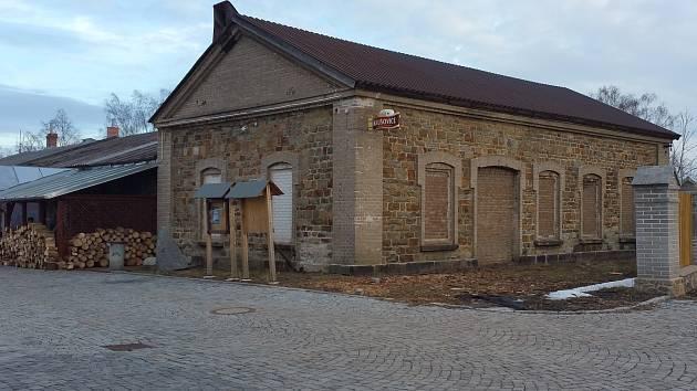 Budova na náměstí Msgre. Korejse v Příbrami, ze které by mělo hasičské muzeum vzniknout.