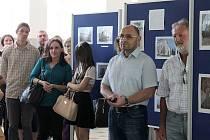 Studentská výstava fotografií příbramských historických budov v Gymnáziu pod Svatou Horou.