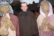 Postavy ze sena v Čenkově na návsi.