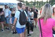 Přes den si návštěvníci mohli vydechnout při chill out hudbě, v podvečer začalo představení mládežnické hudební skupiny a po 20. hodině odstartovala hlavní party s DJs Freezer a Tommy z Hradce Králové, která trvala až do dvou hodin.