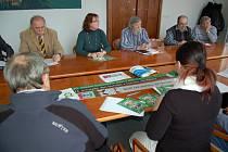 Z březnového setkání na téma příprav blížícího se výročí.