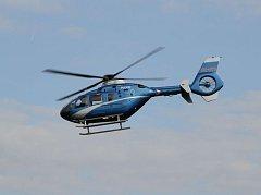 Vrtulník letecké služby.