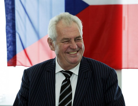 Po návštěvě krajského úřadu se Miloš Zeman vydal do příbramské nemocnice.
