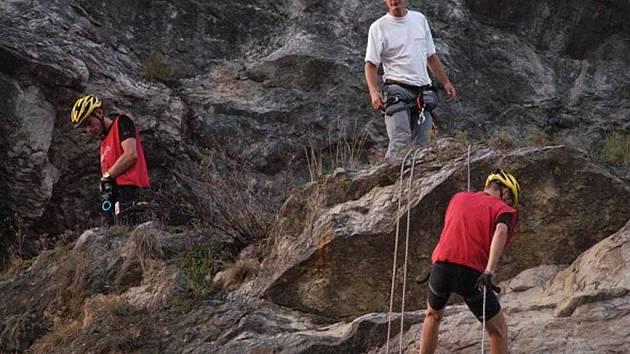 Z kempu Radava u Orlické přehrady odstartuje ve středu expediční závod Adventure Race 2007.