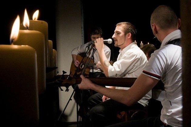 Kapela The.Switch vystoupí v Příbrami s netradiční formou koncertu.
