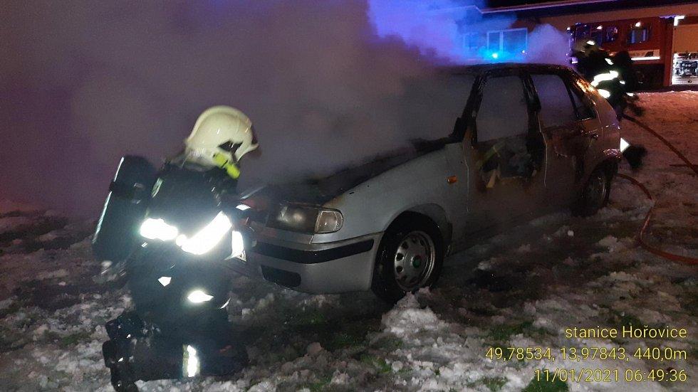 Požár auta v Jincích.