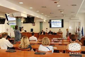 Vyhlášení výsledků krajského kola soutěže Zlatý erb 2021 na Krajském úřadu.