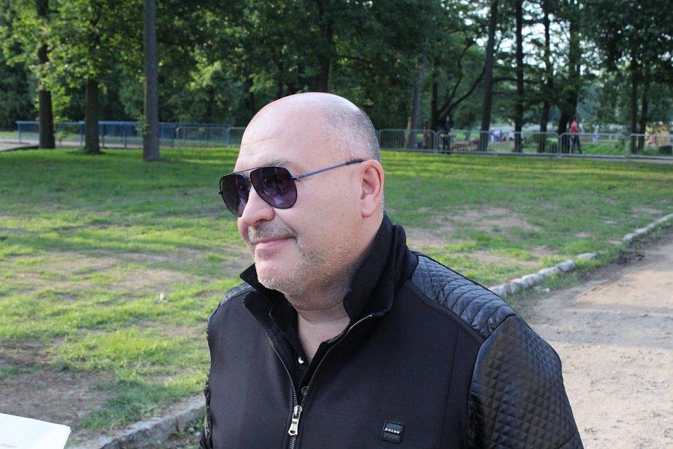 Michal David přivezl do Příbrami své největší hity.