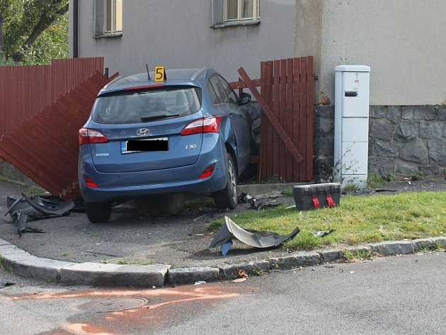 Nehoda na křižovatce ulic Bubovická a Za Sokolovnou vBřeznici.