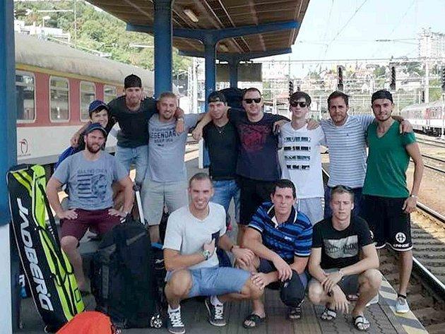 Tým Ježci Rožmitál vyrazil na mezinárodní turnaj vlakem.