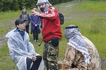 NÁMĚT byl zasazen do fiktivní země Dormenistán.  Soutěžící si vyzkoušeli, jak jednat s rebely a povstaleckými skupinami.