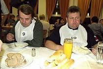 ÚSTAVNÍ SOUD dal za pravdu obci – sál jí patří. Nečepuje se v něm jen pivo, ale odehrává se zde veškerý společenský život a kulturní dění. Pravidelně se sem rok co rok například sjíždějí největší jedlíci České republiky.