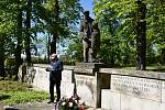 O válečných událostech na Příbramsku promluvil ředitel Hornického muzea Příbram Josef Velfl.