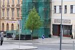Zahrádky restaurací v okolí náměstí T.G.M. v Příbrami zůstaly zavřené, přestože mohly otevřít.