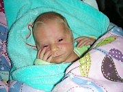 K tříletému Tobiasovi přibyl 7. listopadu 2017 bráška Eliáš. Eliáškovi Krákorovi navážily sestřičky v hořovické porodnici po porodu 2,77 kg a měřil 49 cm. Rodiče Zuzana Svobodová a Lukáš Krákora připravili pro synka postýlku a hračky doma v Dobříši.