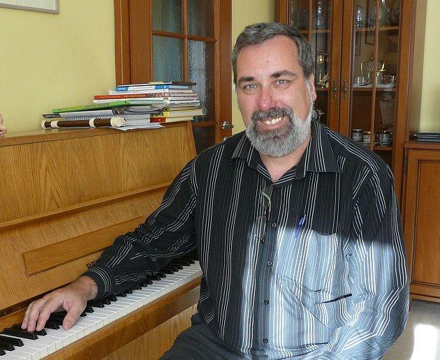 Martin Severa, ředitel sedlčanského kulturního domu nabídl čtenářům ochutnávku některých kulturních pořadů.