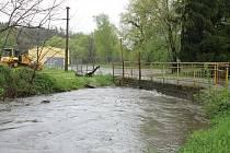 Zvýšená hladina Sedleckého potoka a potoka Mastník v Sedlčanech.