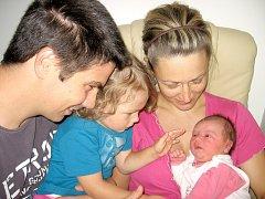 Od neděle 22. září mají maminka Věra a tatínek Lukáš z Rožmitálu radost z dcerky Natálky Pejsarové, která v ten den vážila 3,56 kg a měřila 49 cm. Hrát si s malou sestřičkou bude dvouapůlletá Terezka.