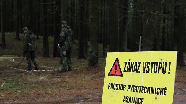 Pyrotechnický průzkum byl prováděn metodou povrchového sběru, rojnicovým způsobem. Nejčastěji byla nalezena munice, kterou používaly armády bývalé Varšavské smlouvy.