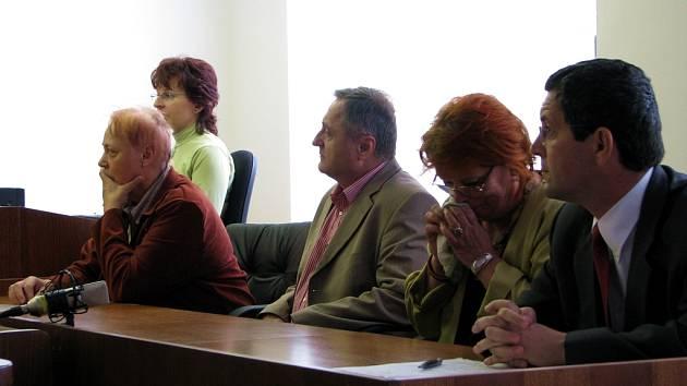 Okresní soud v Příbrami obviněné úředníky už dvakrát zprostil obžaloby