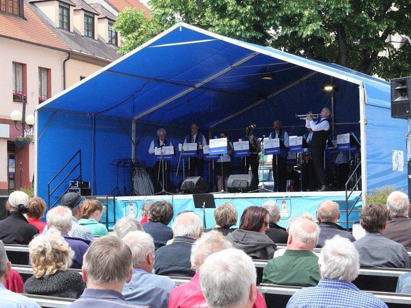 Město hostilo už třicátý ročník Festivalu dechových hudeb a mažoretek.
