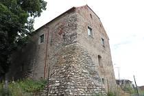 Stavební práce v historickém špejcharu ve Hvožďanech pomalu vrcholí.