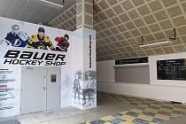 Prostor pod západní tribunou na zimní stadionu v Příbrami.