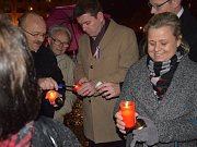 Lidé zavzpomínali na listopadové události na místě, kde se v Příbrami v roce 1989 demonstrovalo.