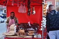 Víkendové zabijačkové hody v Příbrami lákaly návštěvníky na zabijačkové speciality, sladkosti i další pochutiny. K sehnání tam byly také řemeslné výrobky.