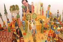 Instalace tradiční výstavy betlémů.