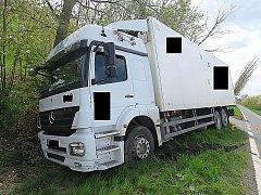 Nehoda z 26. dubna na silnici I/18 u Dublovic, bez zranění, škoda 45 tisíc korun.