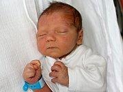 JAN ŠTĚTINA se narodil ve středu 7. června o váze 3,46 kg a míře 50 cm rodičům Daně a Milanovi z Bohutína. Do klukovských rošťáren brášku zasvětí Milánek.
