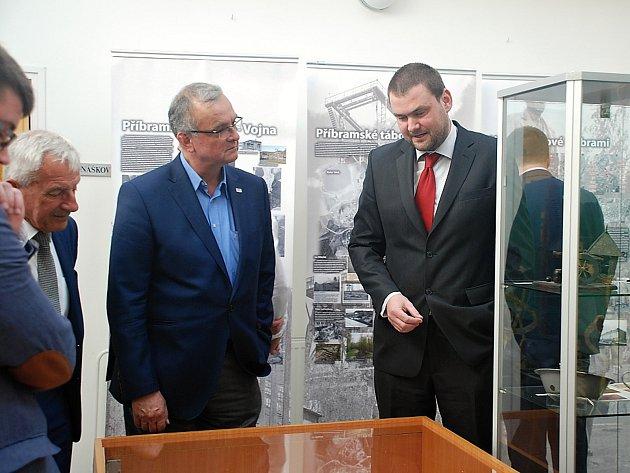 Den otevřených dveří v příbramském archivu. Autor výstavy je František Bártík, který mimo jiné pracuje pro Hornické muzeum Příbram.