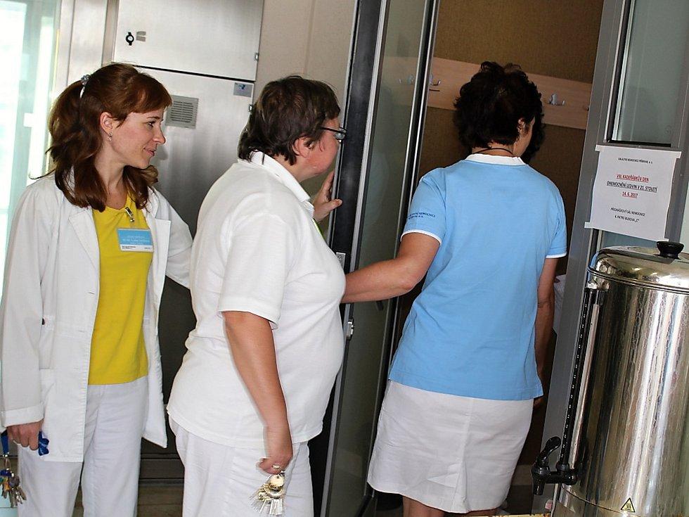Kadeřábkův den 2017 v příbramské nemocnici. Se svými příspěvky vystoupilo mnoho odborníků z renomovaných pracovišť.