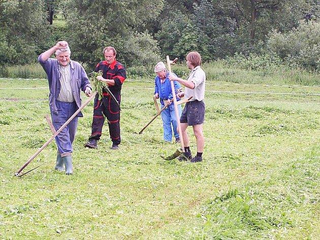 Sedlčtí sekáči trávy v loňském roce tuto disciplínu vyhráli, i když v celé soutěži byli nakonec úspěšnější Prčičtí.