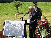 Na Sedlčansku si o víkendu připomněli osobnost prvního velitele československé bombardovací peruti ve Velké Británii za 2. světové války generála Karla Mareše i posádku sestřeleného amerického bombardéru.