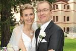 Na zámku ve Lnářích  si řekli své ano v sobotu 14. srpna půl hodiny po poledni Vlaďka Šmejkalová a Phillipe Godfroy.